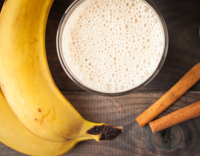 Banana smoothie and cinnamon sticks